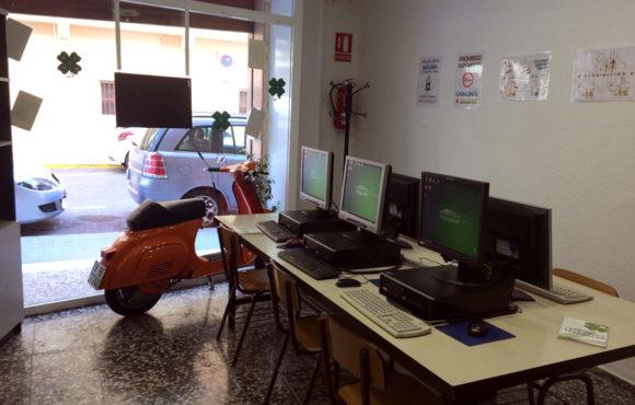 Autoescuela Trebolcar. Instalaciones