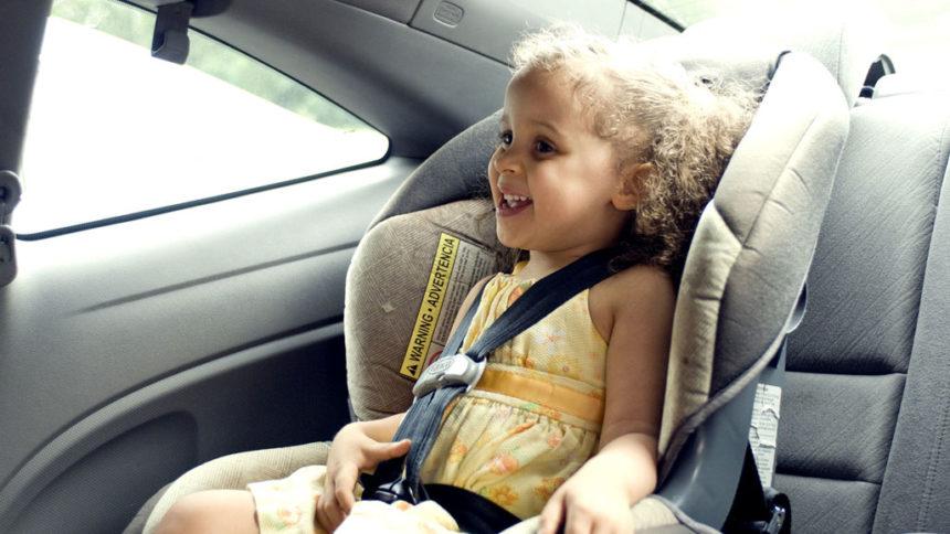 Dispositivos de seguridad infantil en el coche