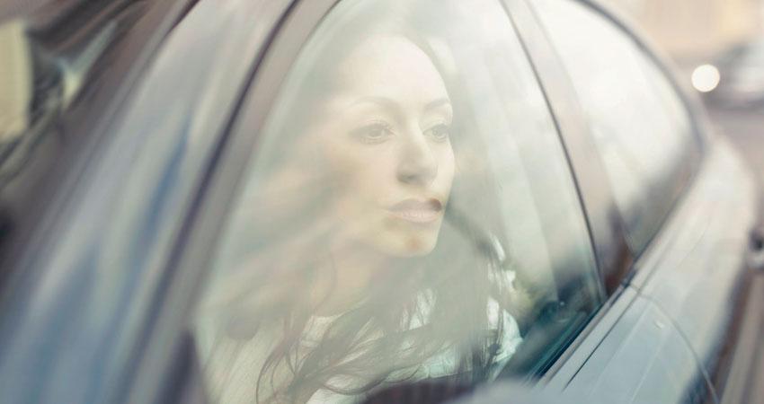 Autoescuela Trebolcar - Distracciones mientras conduces